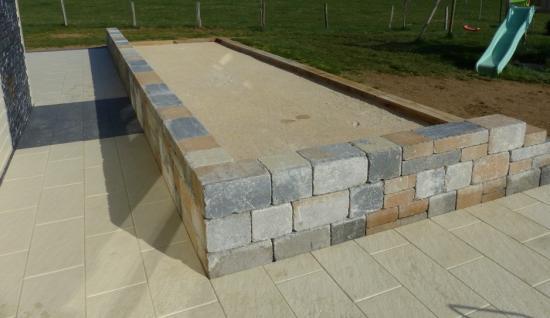 Terrain de pétanque bi muro